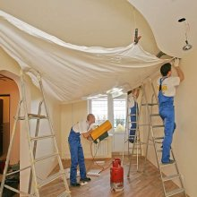 Немного о преимуществах натяжных потолков