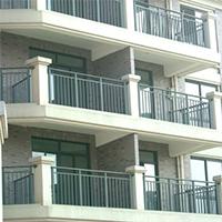 Техника безопасности при монтаже балконных ограждений