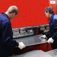От чего зависит стоимость обработки листового металла