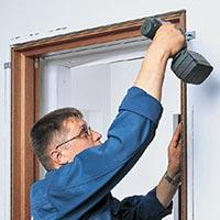 Техника безопасности при установке межкомнатной двери