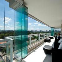 О безопасности безрамного остекления балкона, лоджии, фасада