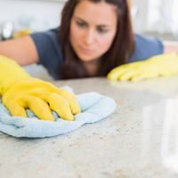 уборка квартиры нетканое полотно