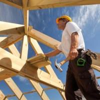 Соблюдение техники безопасности при монтаже крыши загородного дома