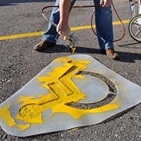 Техника безопасности при нанесении парковочной разметкис помощью пластиковых трафаретов