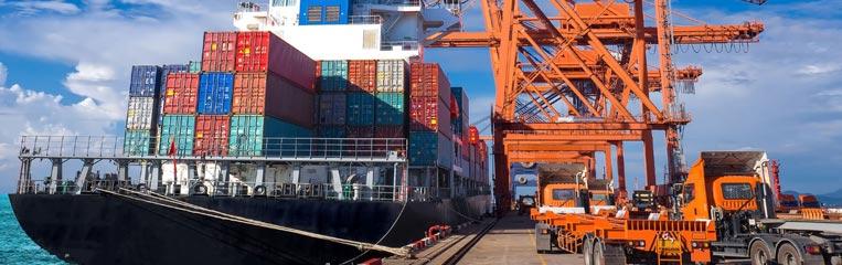 Перевозки грузов морским транспортом: техника безопасности при погрузке и хранении.