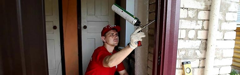 Техника безопасности при установке дверей