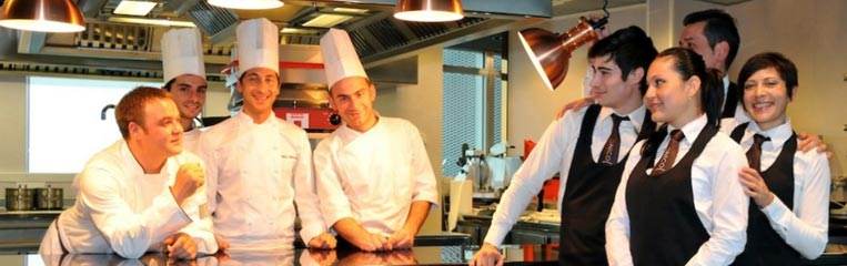 Критерии выбора качественной спецодежды для поваров и официантов