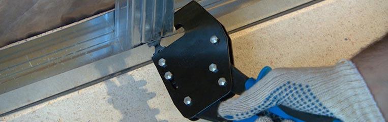 Ремонт квартиры в новостройке: строительство каркаса из металлических профилей для гипсокартона