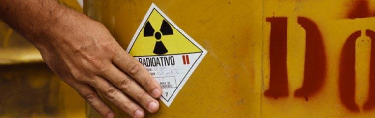 Легковоспламеняющиеся, радиоактивные или взрывоопасные вещества: правила ТБ при их перевозке