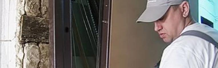 Техника безопасности при монтаже дверей