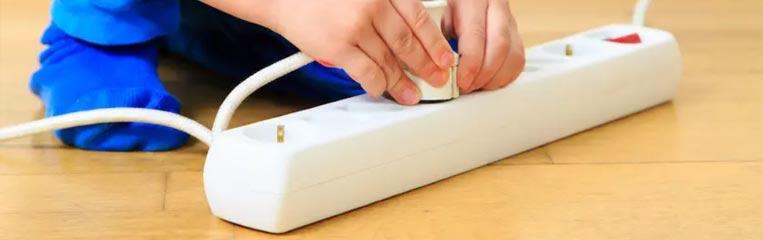 Электрический ток: оказание помощи и меры предосторожности