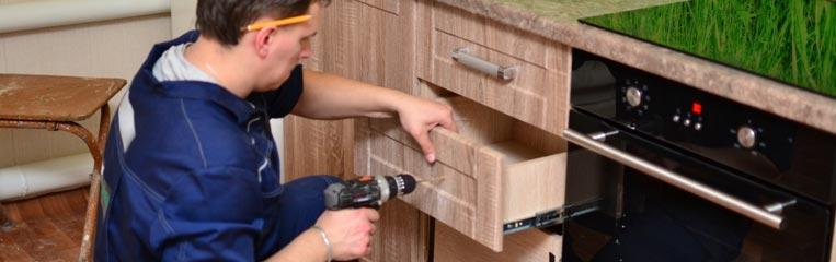 Техника безопасности при сборке мебельных гарнитуров